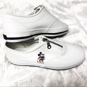 Disney Mickey Mouse White Zip Up Sneaker Size 7